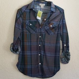 **NWT Passport 100% Polyester Button Up